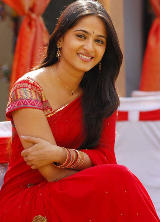 Latest Telugu movie Updates: Anushka forcibly doing films