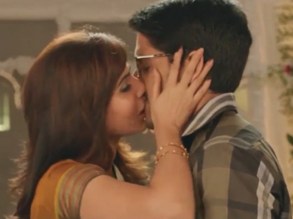 Lip Locks Tollywood | Tollywood Kissing Scenes | Lip Locks ...