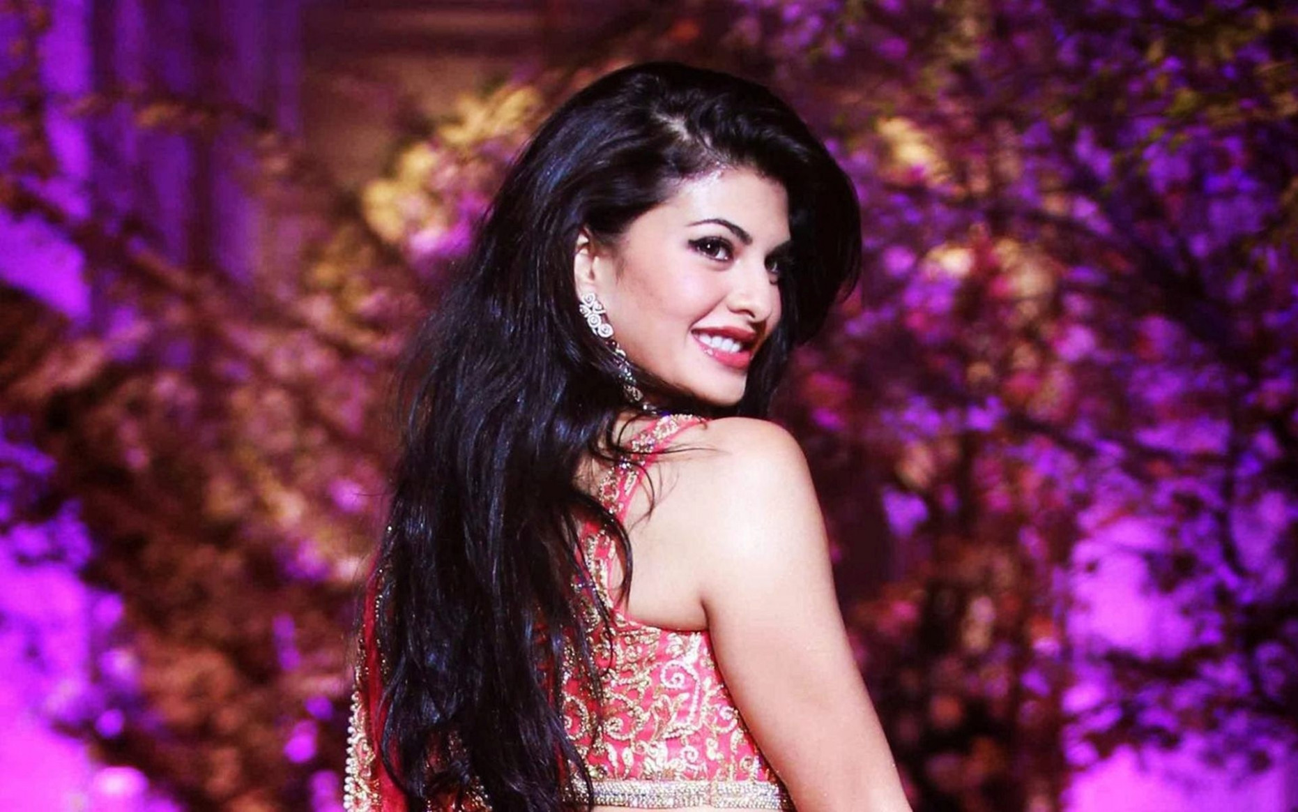 Lovely HD Wallpapers of Jacqueline Fernandez Bollywood ...