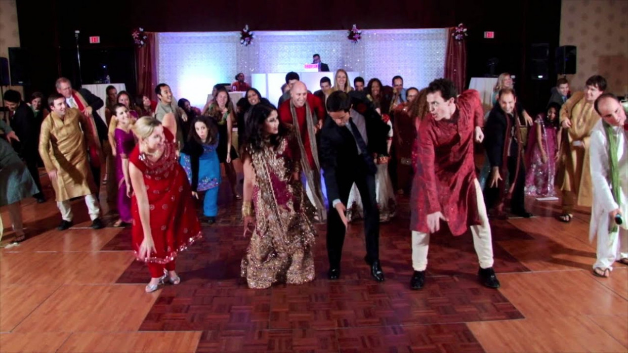 Maahi Ve! Surprise Bollywood Wedding Dance - YouTube