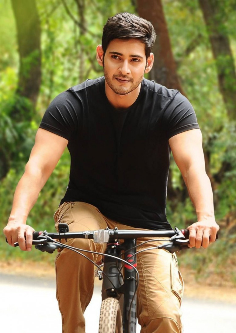Mahesh babu biography, profile details, family,age ..