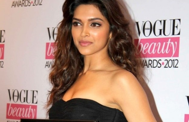 Makeup Breakdown : Deepika Padukone - Peachesandblush