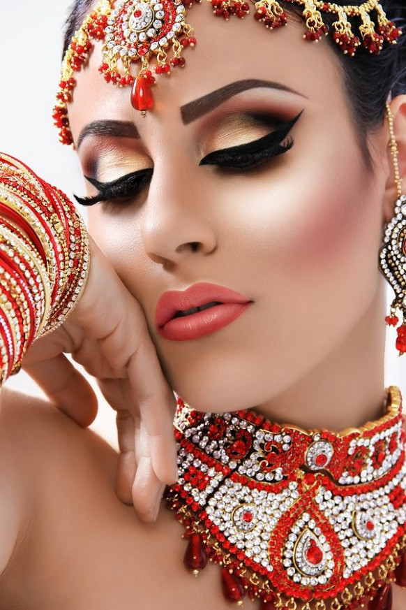 Makeup In The Style Of Bollywood | Makeup & Hair ...