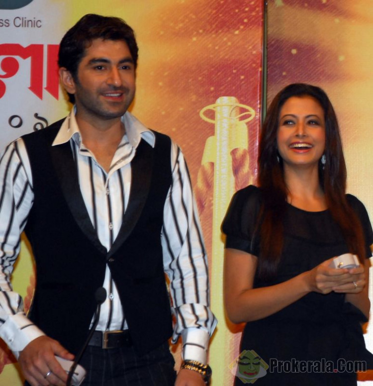 MODEL: tollywood-actors-jeet-and-koel-unveilin