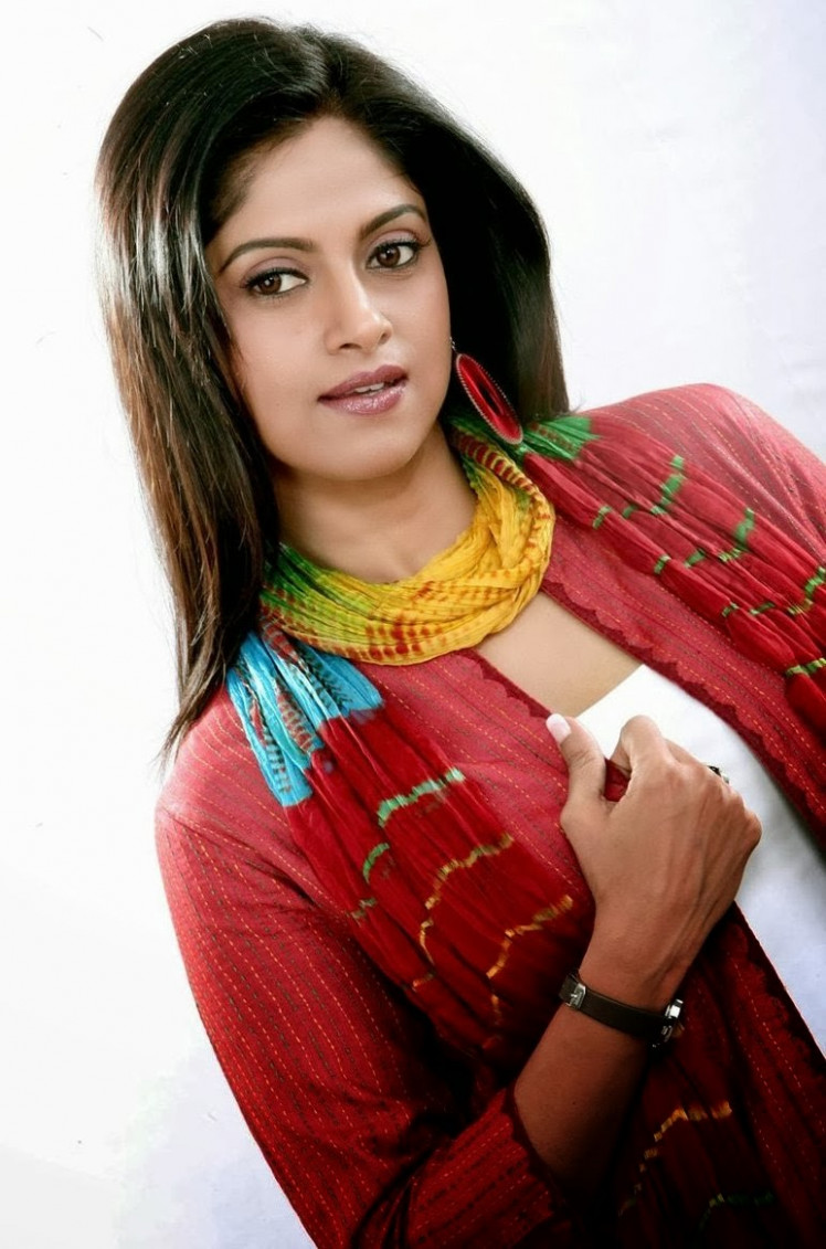 Nadiya Latest Sexy Photos, Pics, Pictures, Images, Gallery ...