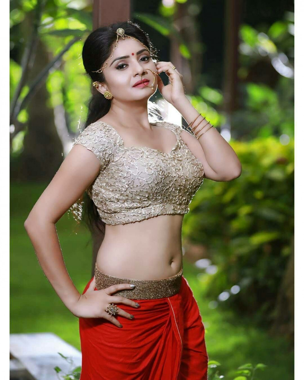 Navel show (hogo) | Beauty | Pinterest | Navel, Saree and ...