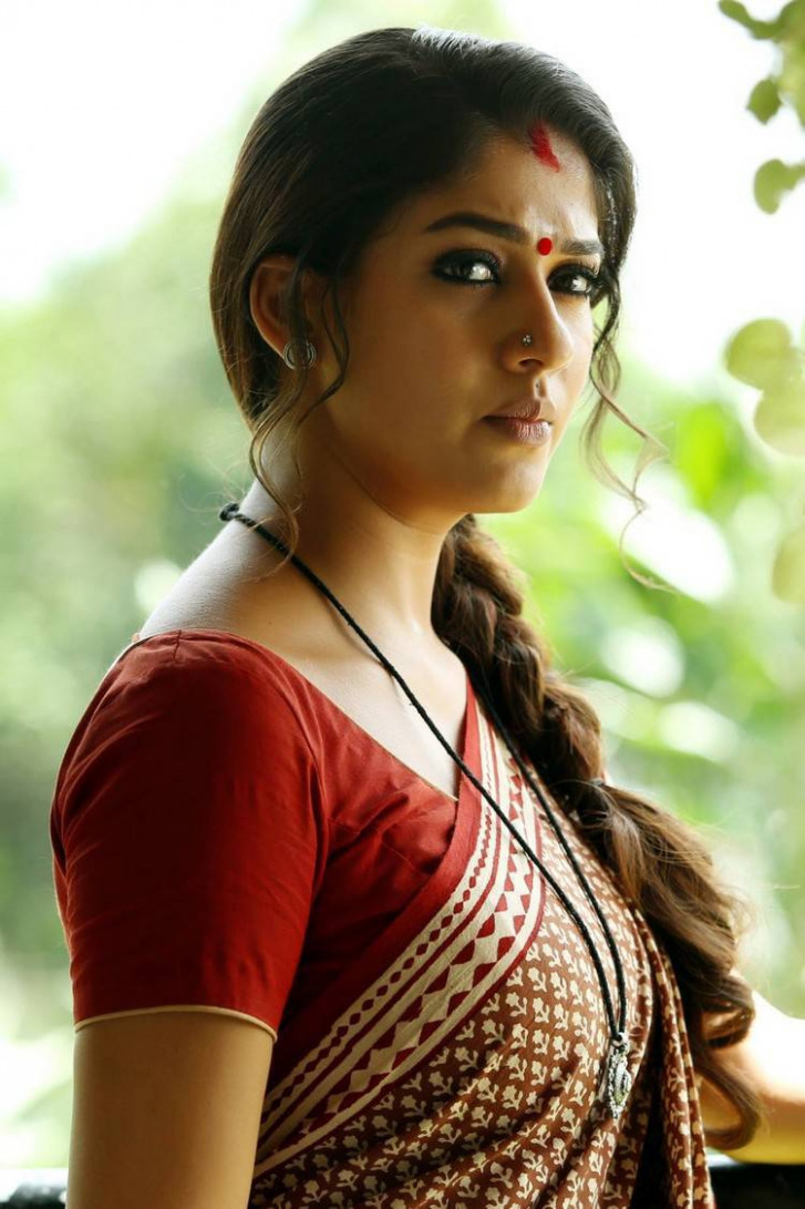 Nayantara Saree Photos Gallery Collection - Tollywood Stars
