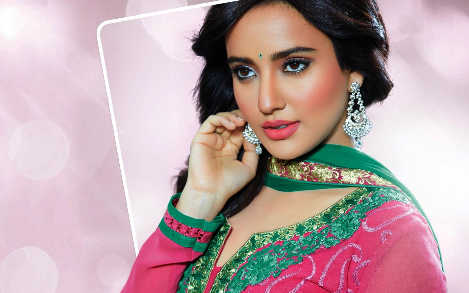 Neha Sharma famous bollywood actress new wallpapers - New ...