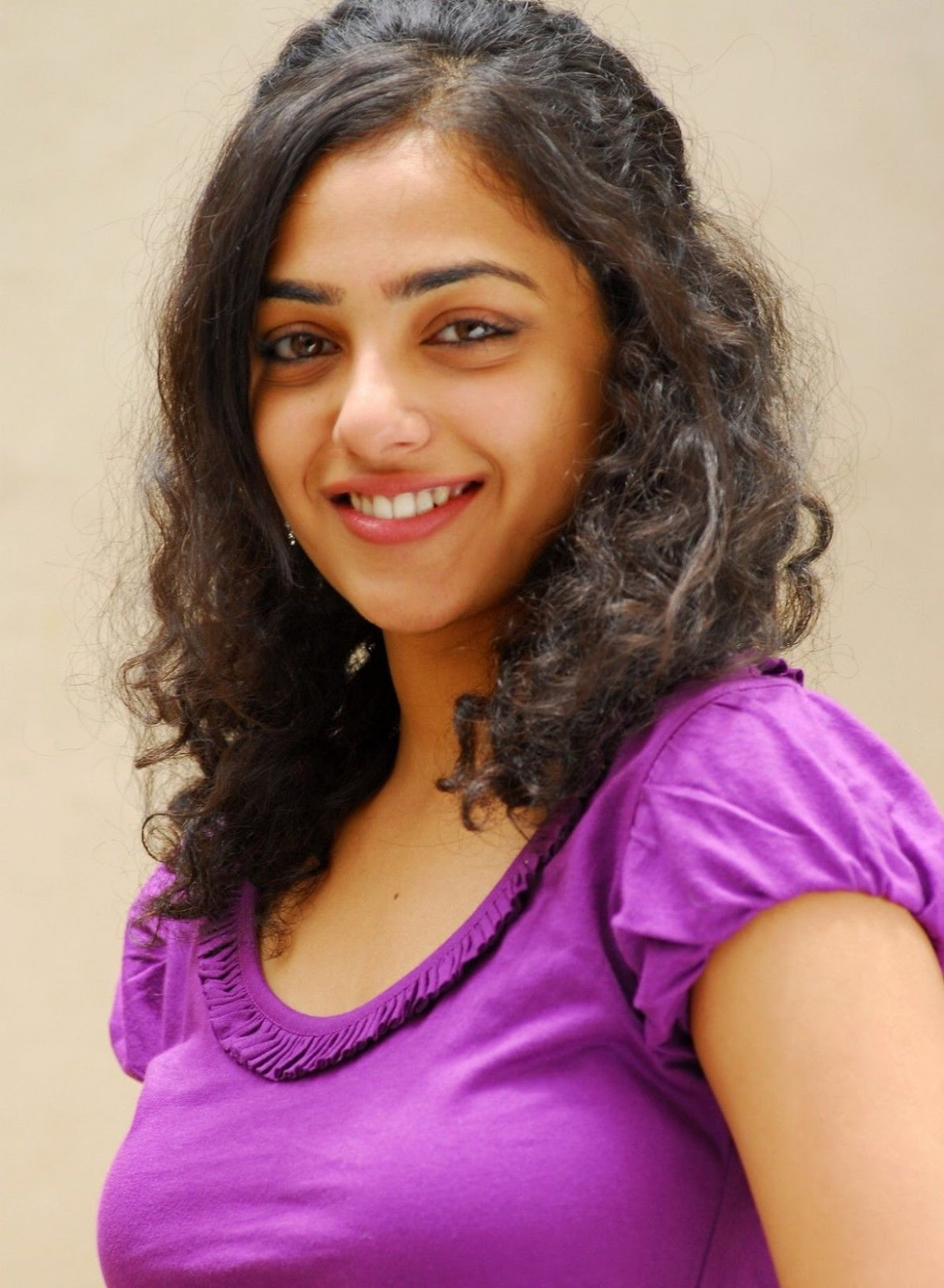 Nithya Menon Profile Biography Family Photos and Wiki and ...