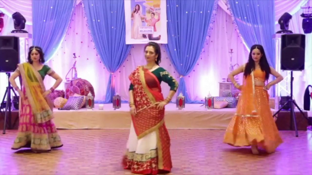 Old school Bollywood Wedding Dance - Mother Daughter Dance ...