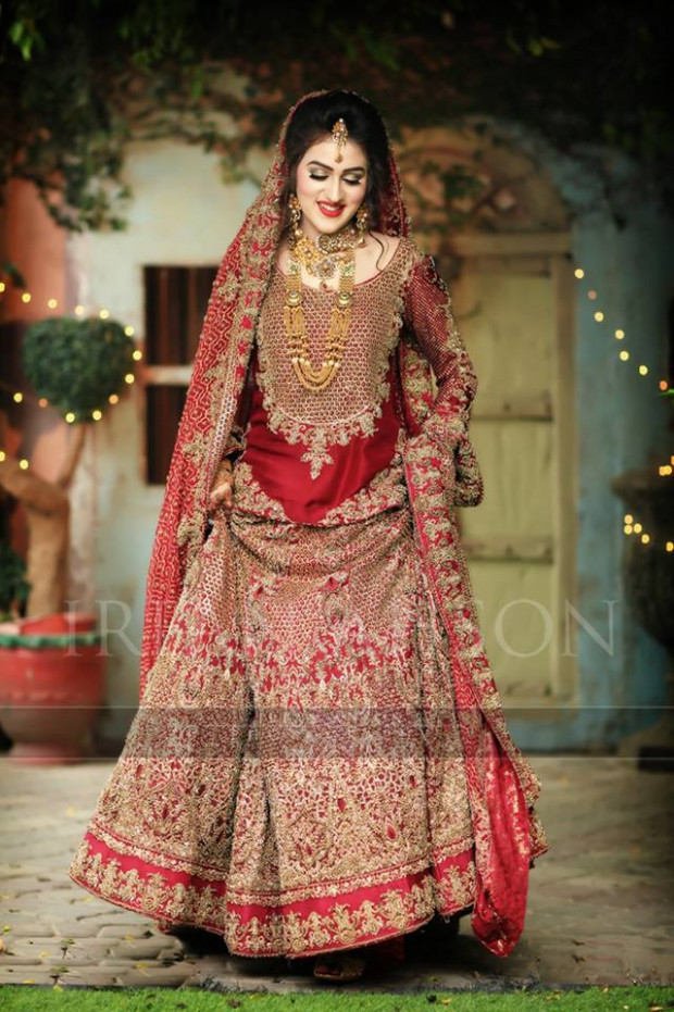 Pakistani Designer Bridal Dresses for Barat Day 2017 ...