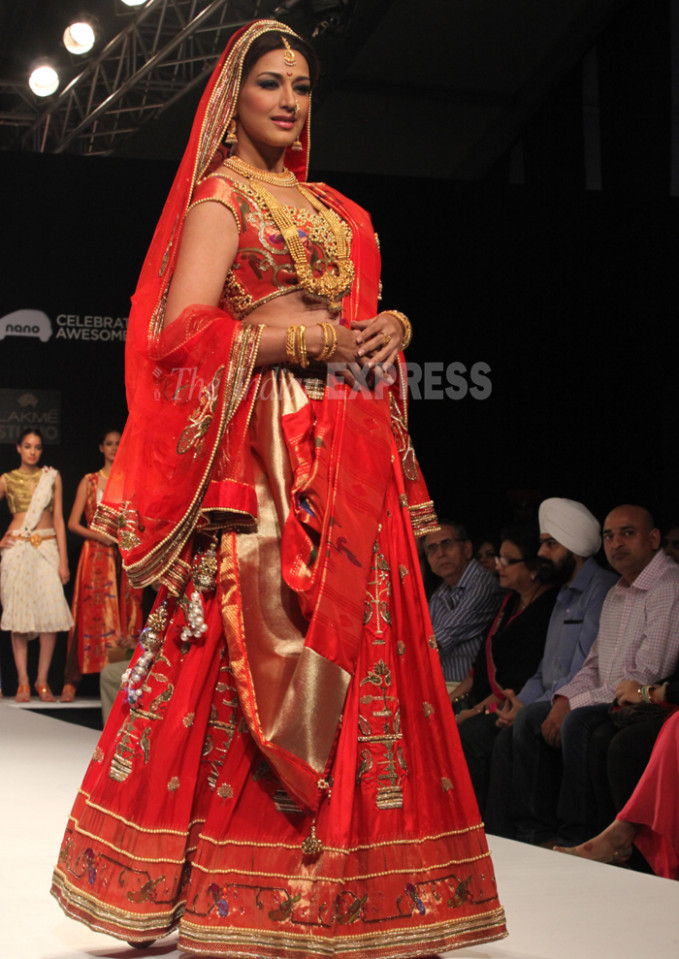 PHOTOS: Lakme Fashion Week: Bollywood brides Sonal Chauhan ...