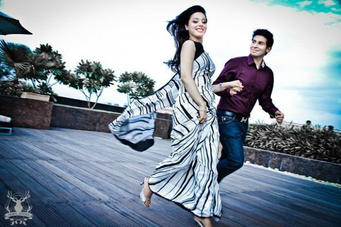 Pre Wedding PhotoShoot Outfits Ideas for Girls | Indian ...