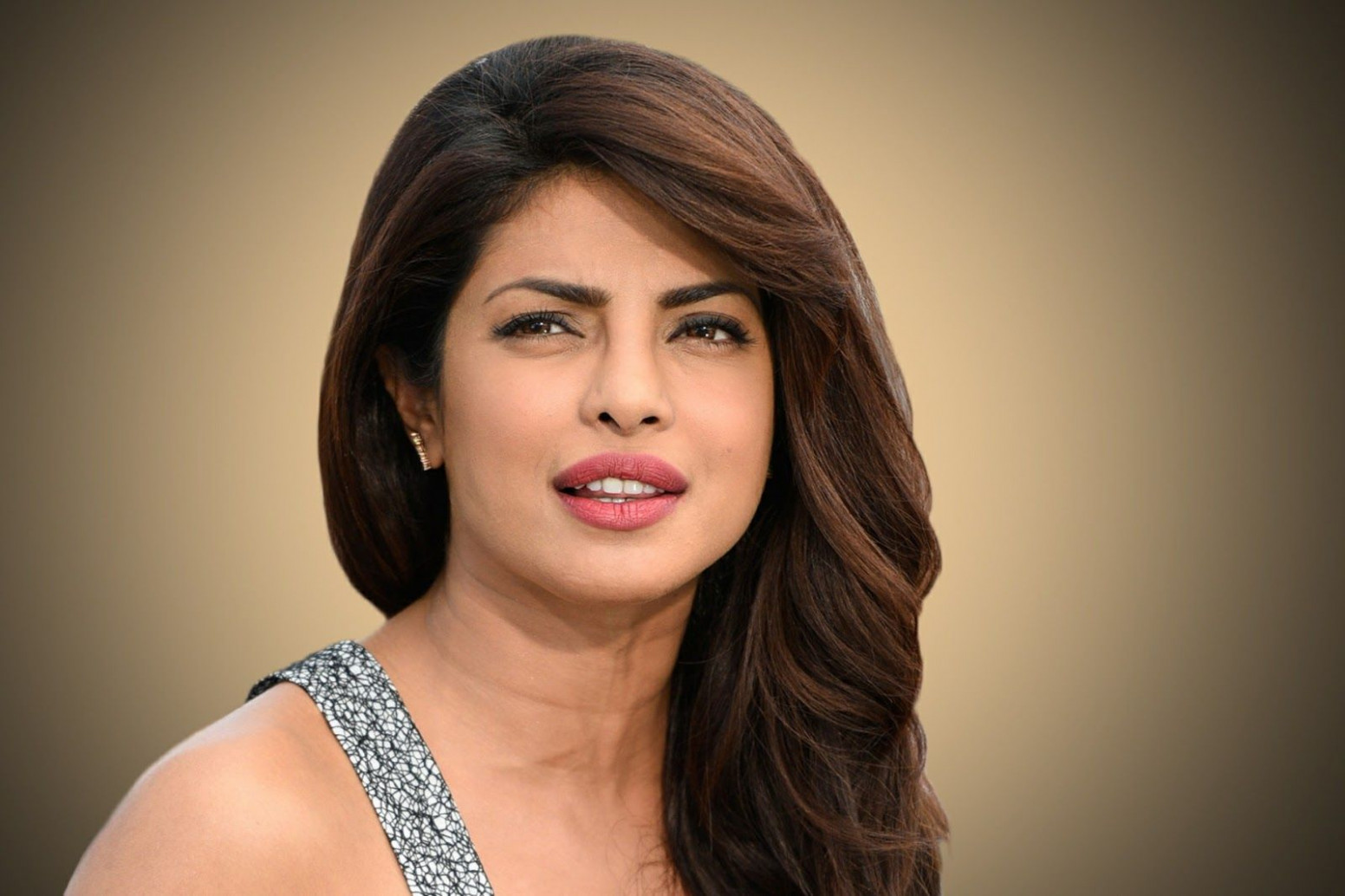 Priyanka Chopra HD Wallpaper Gallery - Filmnstars ...
