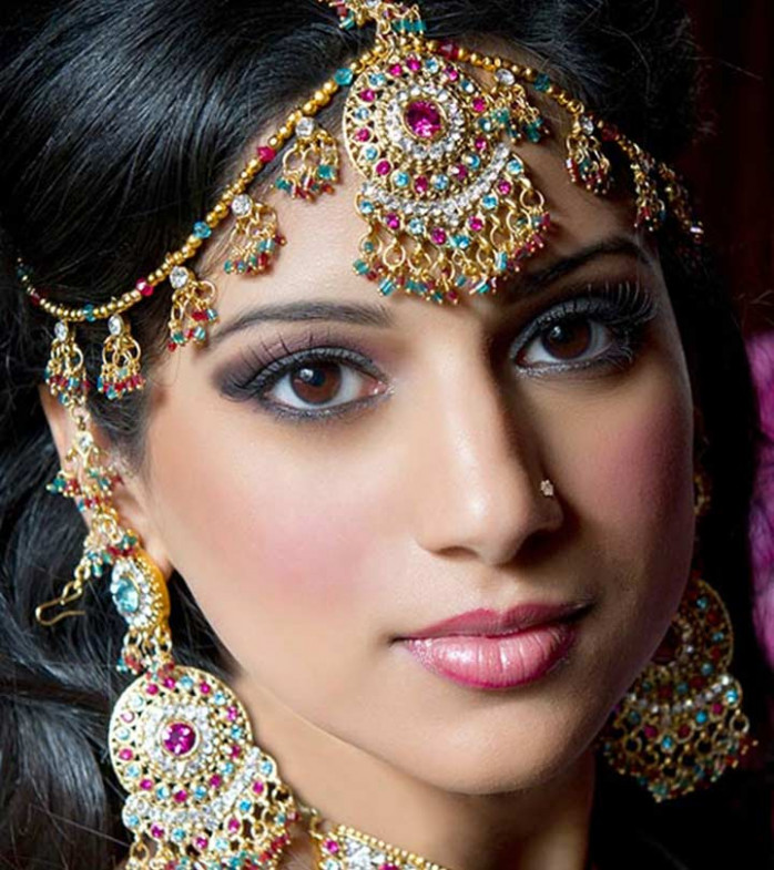 Professional Makeup Artist Salary In India | Fay Blog