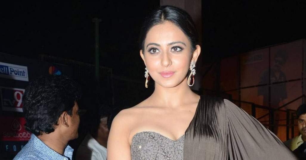 Rakul Preet Singh Photos In Long Black Gown At Birthday ...