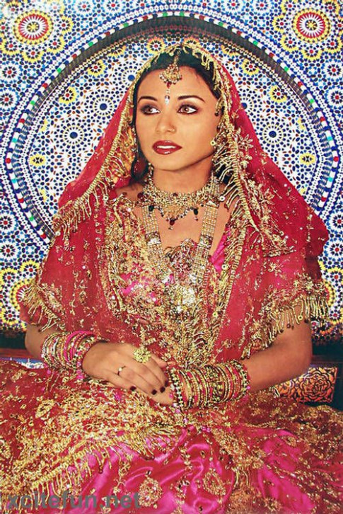 Rani Mukherjee wedding dress | Rani | Pinterest | Wedding ...