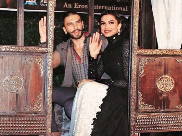 Ranveer Singh – Deepika Padukone ban cell phones at their ...