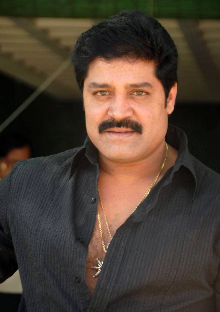Real Star Srihari is NO MORE - FilmyScope