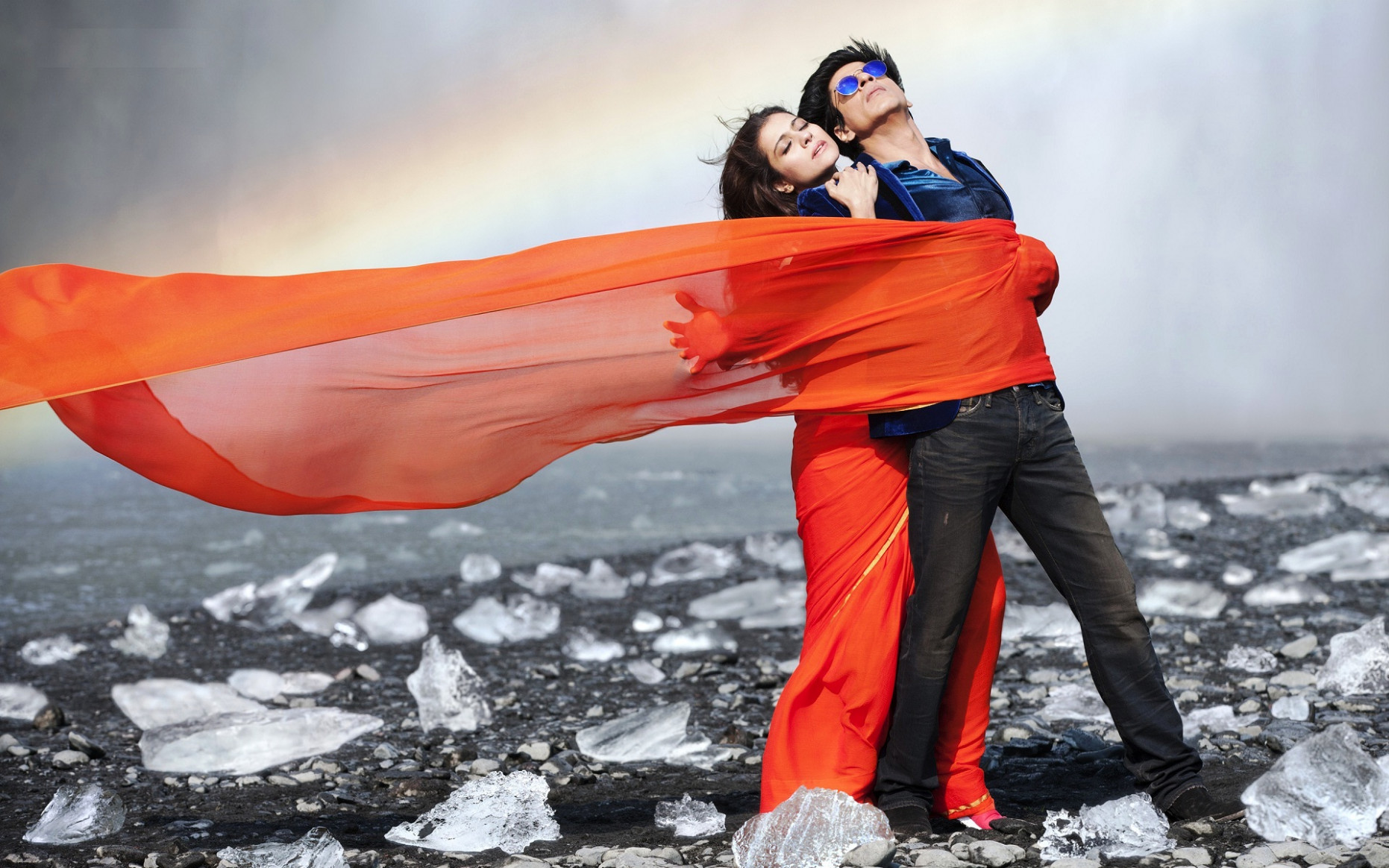 Romantic Bollywood couple love photo - New hd wallpaperNew ...