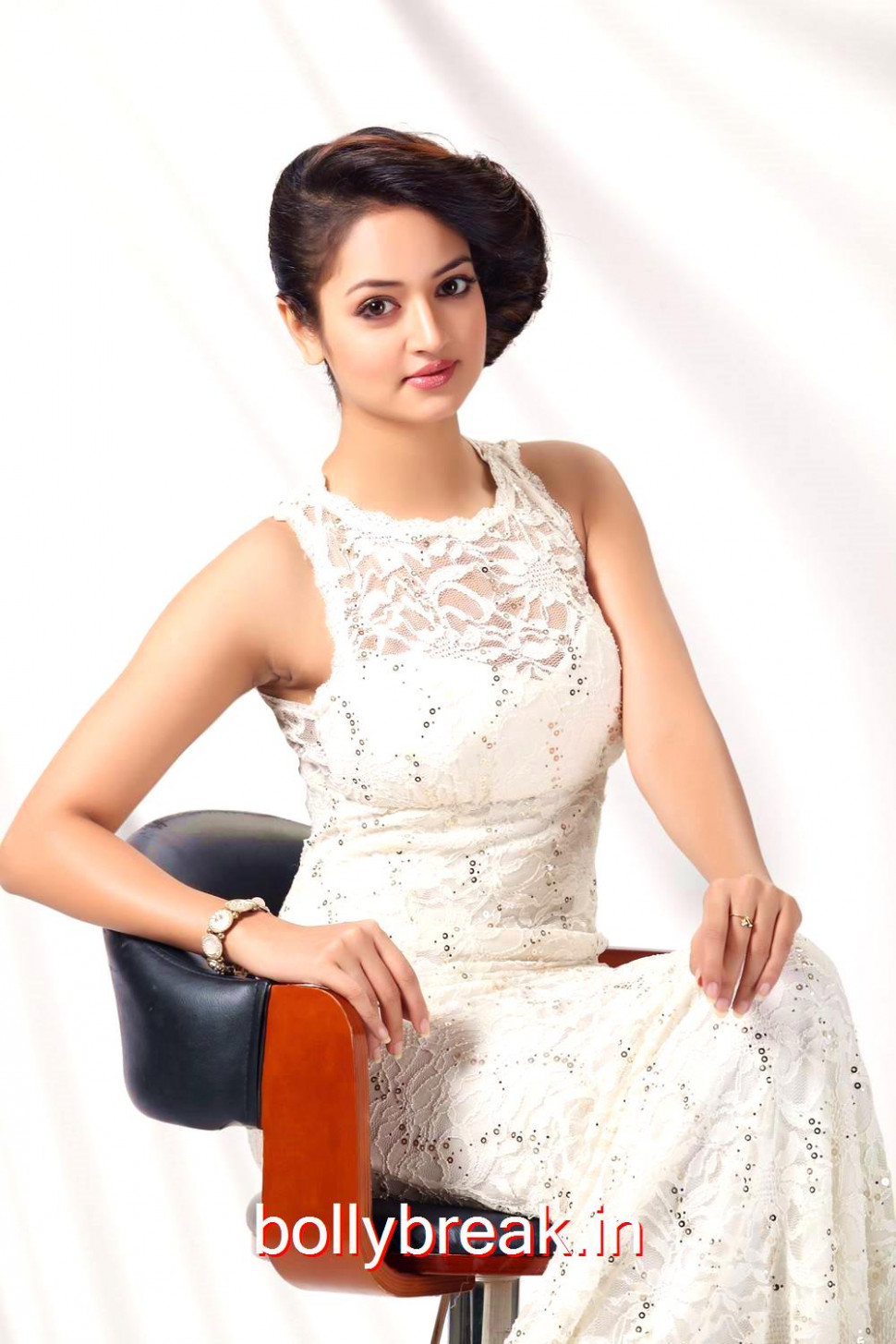 Shanvi Latest hot Photoshoot - 11 Pics