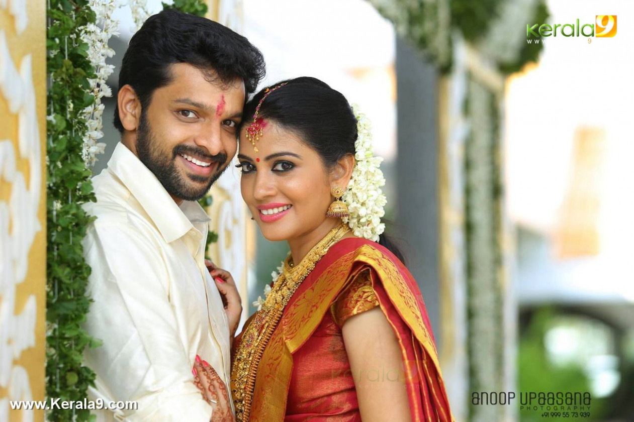 Shivada nair wedding photos album pics 08653 - Kerala9.com