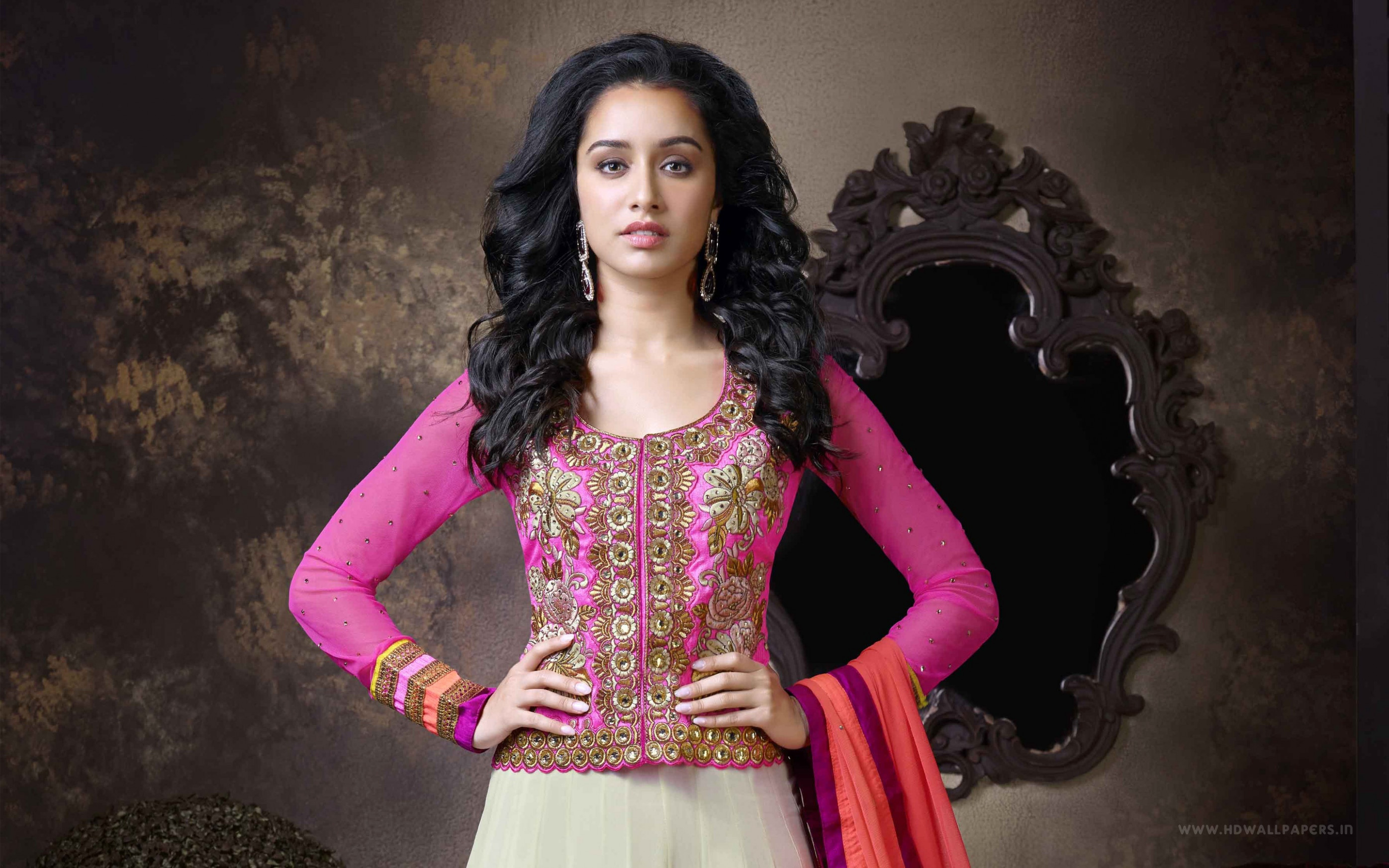 Shraddha Kapoor Bollywood Actress in lehenga choli ...