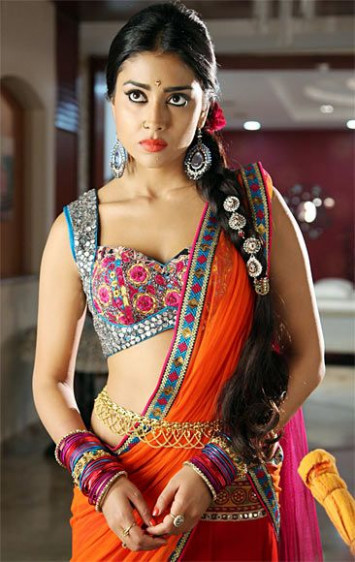 Shriya Sarans bold act in Pavitra #Tollywood #Fashion ...