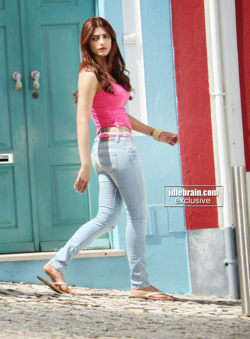 Shruti Haasan profile and Body Measurements | Tollywood ...