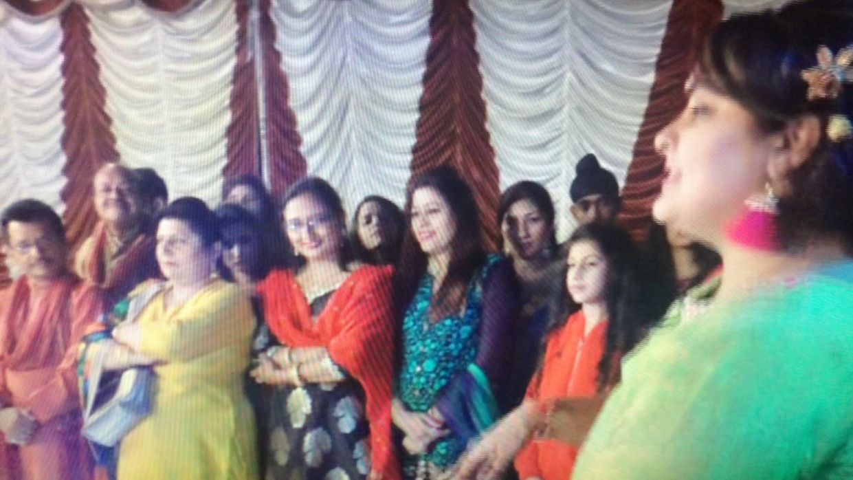 sister dance brother marriage punjabi song - YouTube
