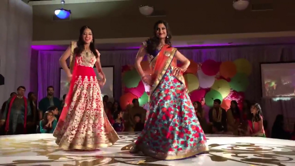 Sisters Dance on bollywood songs new Wedding Reception ...
