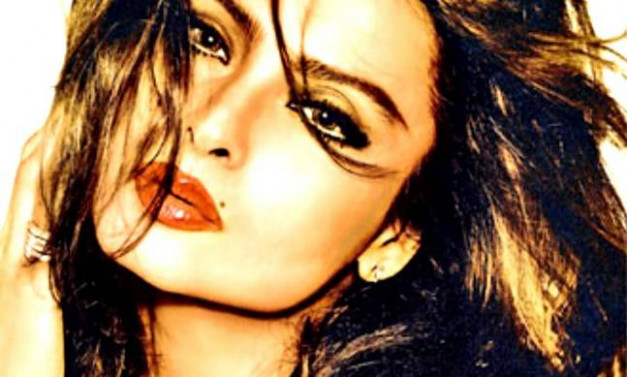 Smooch, Sindoor and Suicide: Rekha biography gives ...