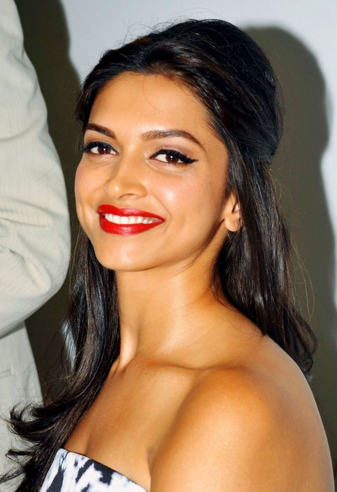 Snap Deepika padukone makeup breakdown looks Celebrity ...