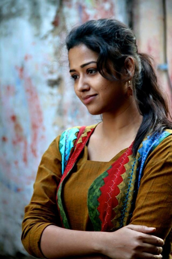 Sohini Sarkar biography, photo wallpapers and images