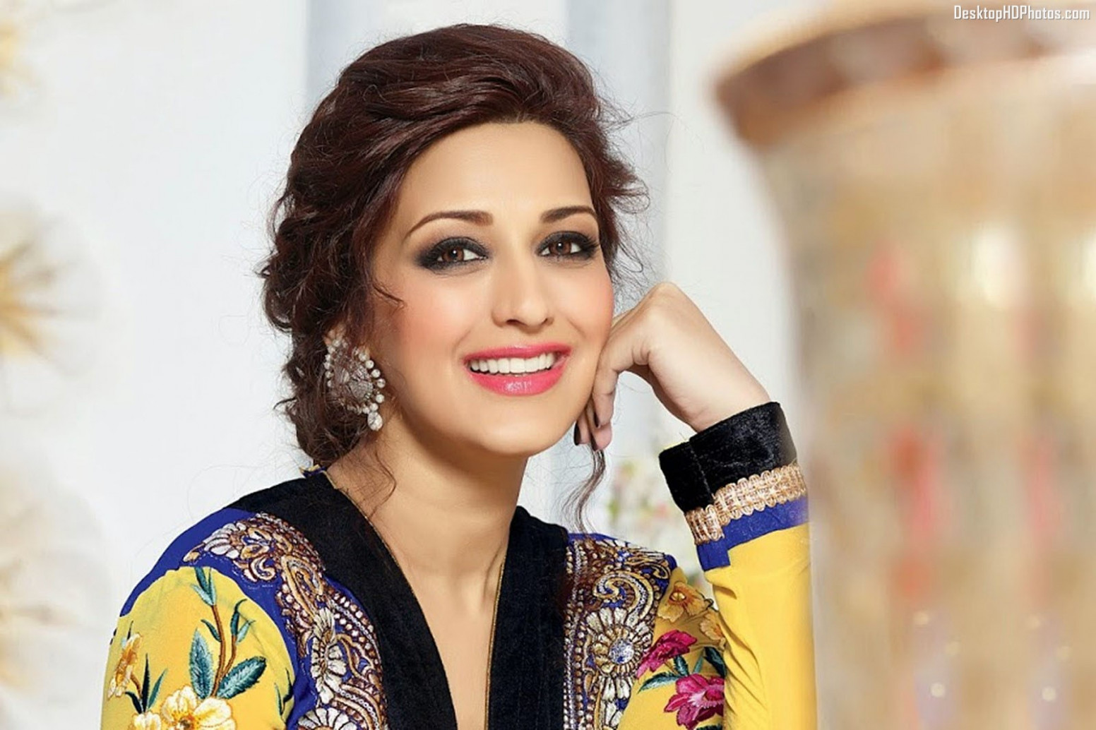 Sonali Bendre Photos, Pictures, Wallpapers,