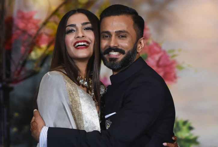 Sonam Kapoor and Anand Ahuja Bollywood wedding reception ...