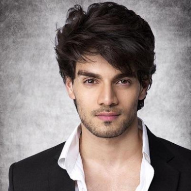 Sooraj Pancholi Wiki Bollywood Actor Biography Age Date of ...