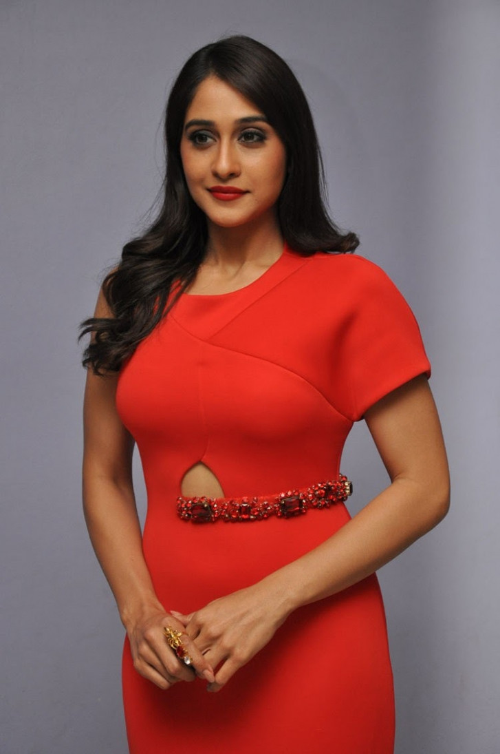 South Indian Actress Regina Cassandra Latest Photos ...