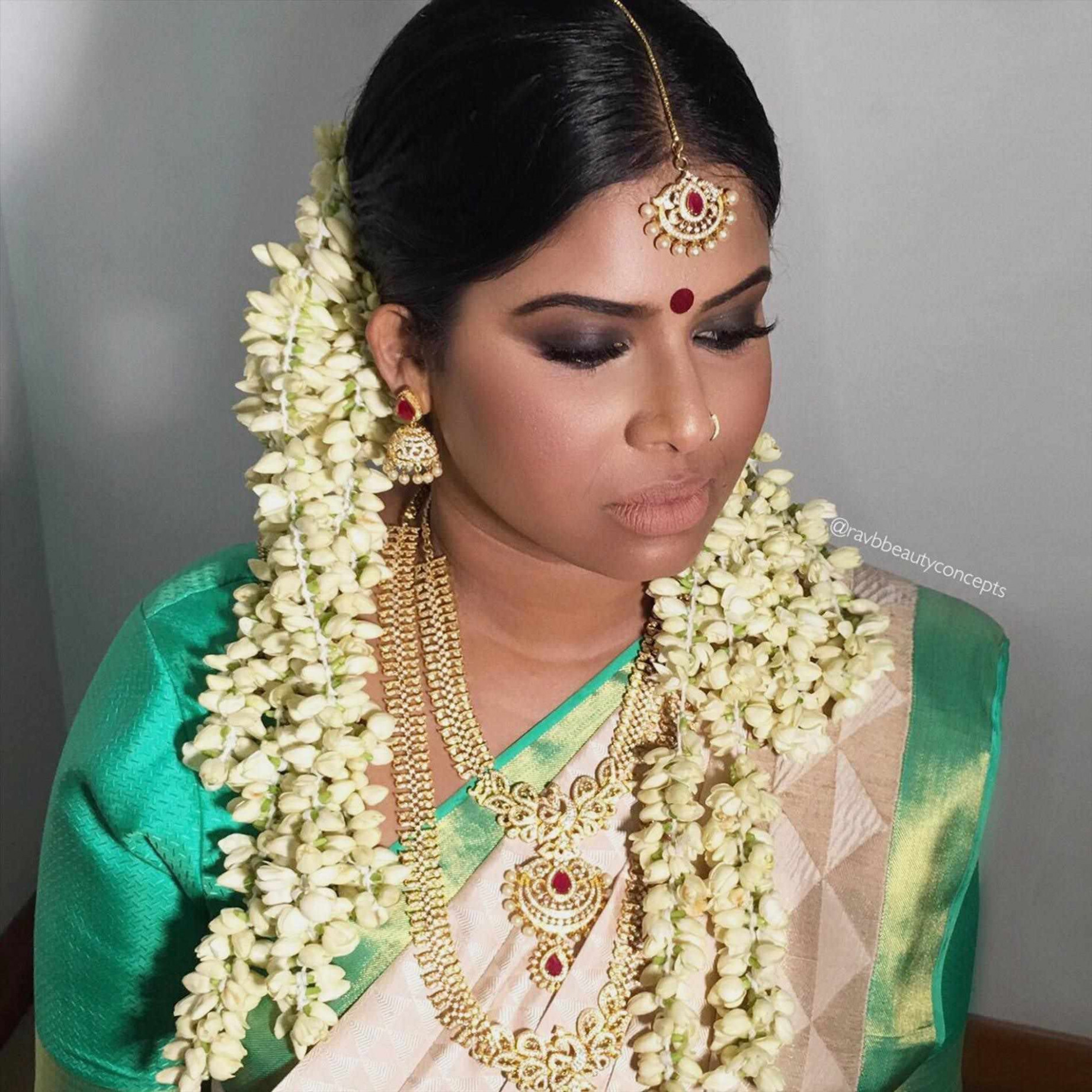 South Indian Bridal Hairstyles For Round Faces - HairStyles