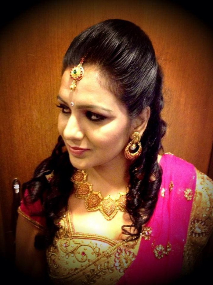 south indian bridal reception hairstyle | Indian bridal ...