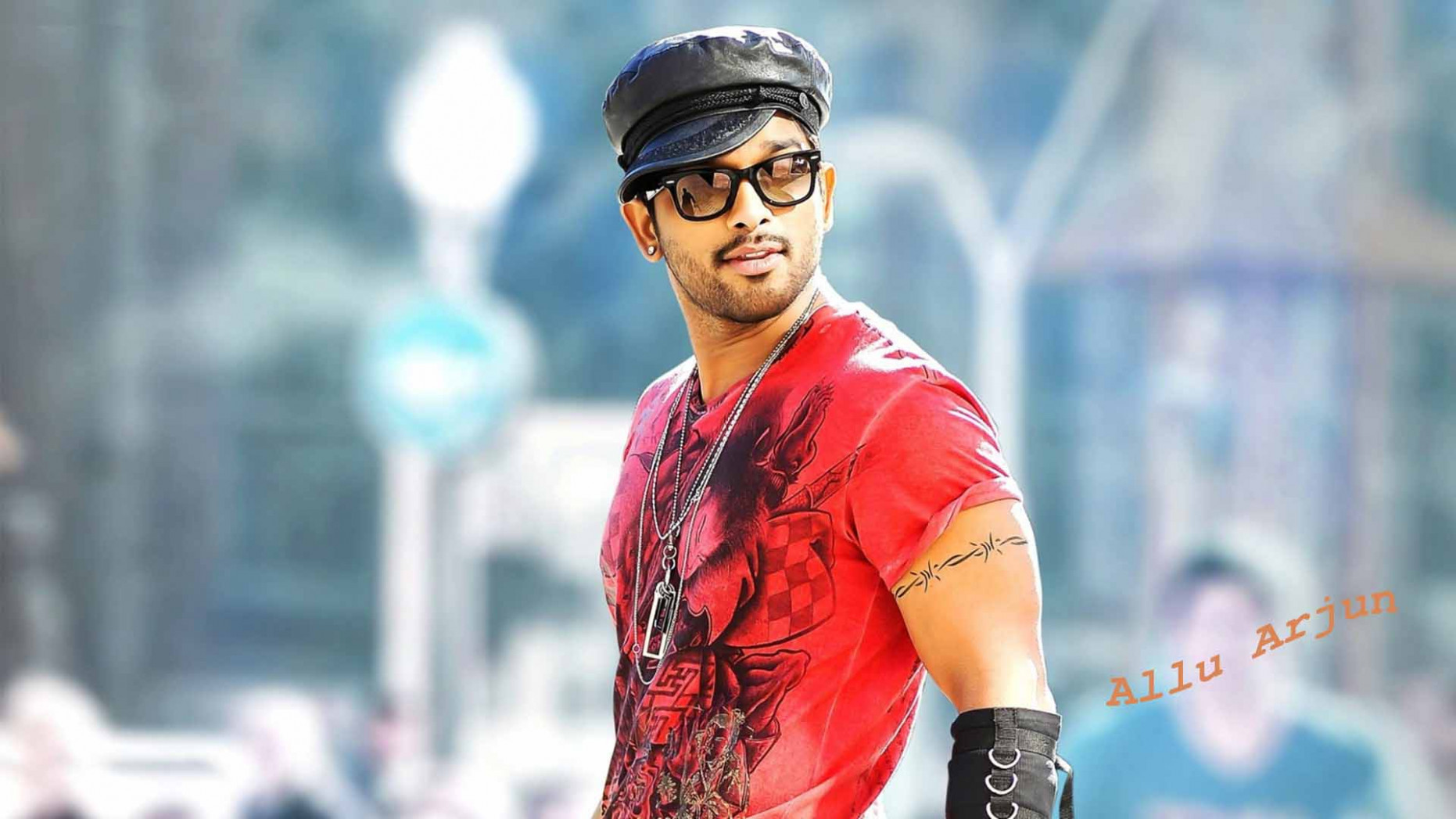 South Indian stylish hero Allu Arjun in red t shirt high ...