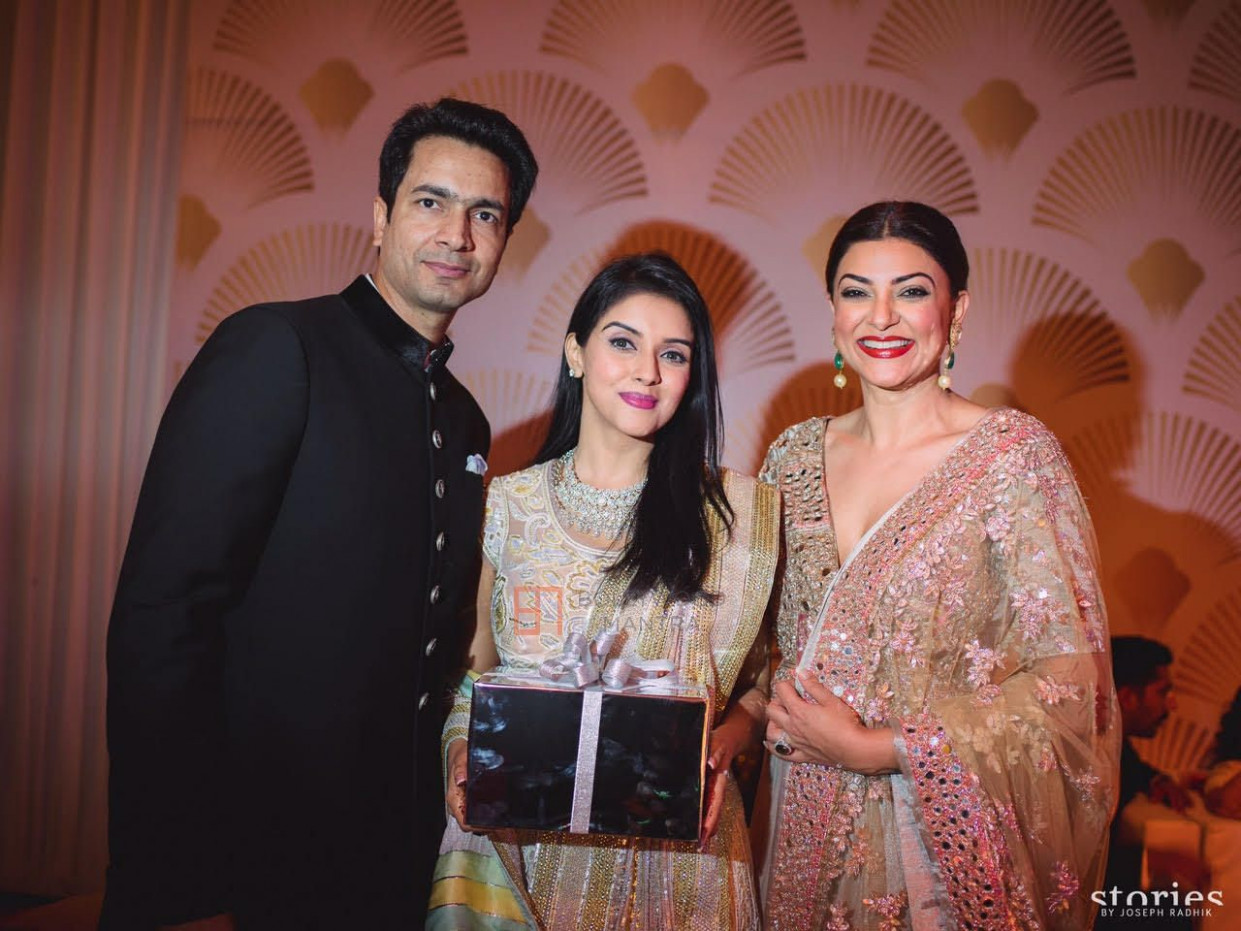 Sushmita Sen | Asin | Asin & Rahul Sharma Wedding Photo #39
