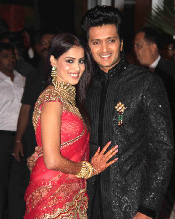 TamiL MoviE RoaminG: Ritesh & Genelia Wedding Reception ...