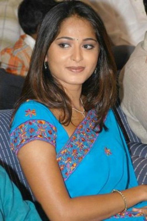 Telugu and Tamil Actress Anushka pictures Excusively ...