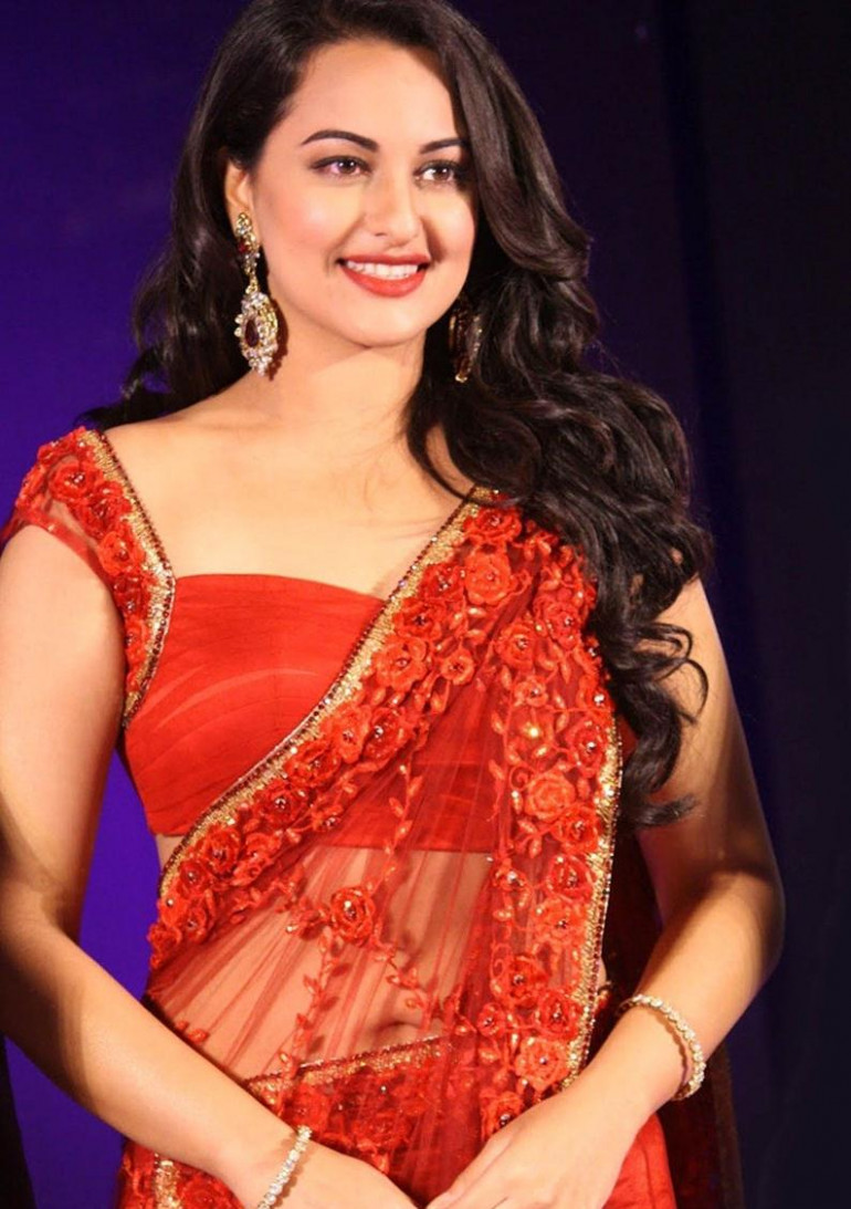 telugu cinema: sonakshi sinha in saree photos