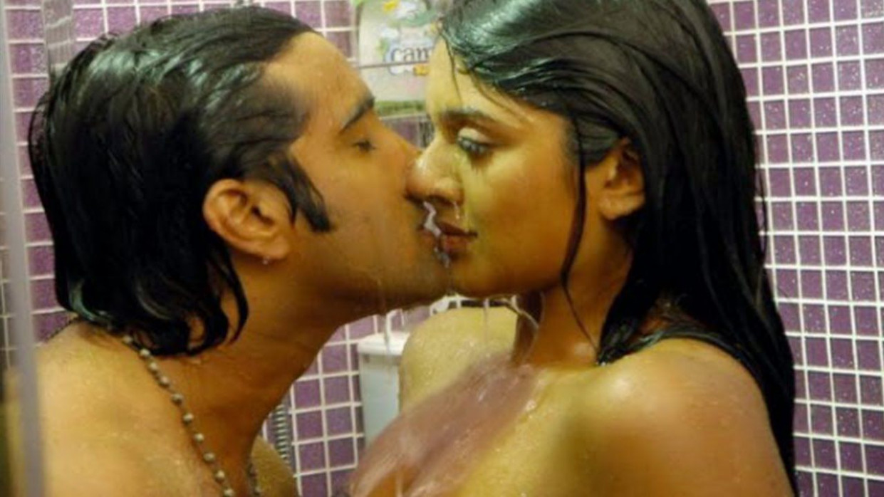 Telugu Movie Hot Lip Lock Scenes in Tollywood | hot scenes ...