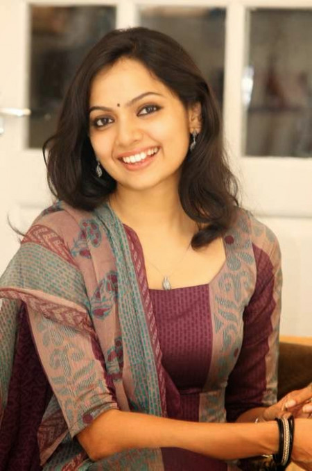 TELUGU WEB WORLD: NEW TOLLYWOOD ACTRESS WALLPAPERS