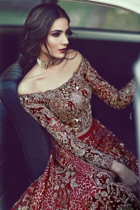 The 25+ best Indian wedding dresses ideas on Pinterest ...