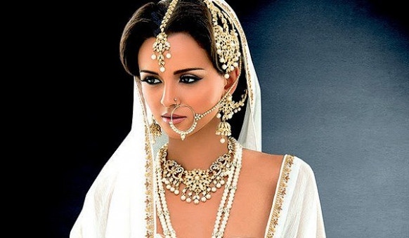 The Essentials of Indian Bridal Jewelry - hindi of bride