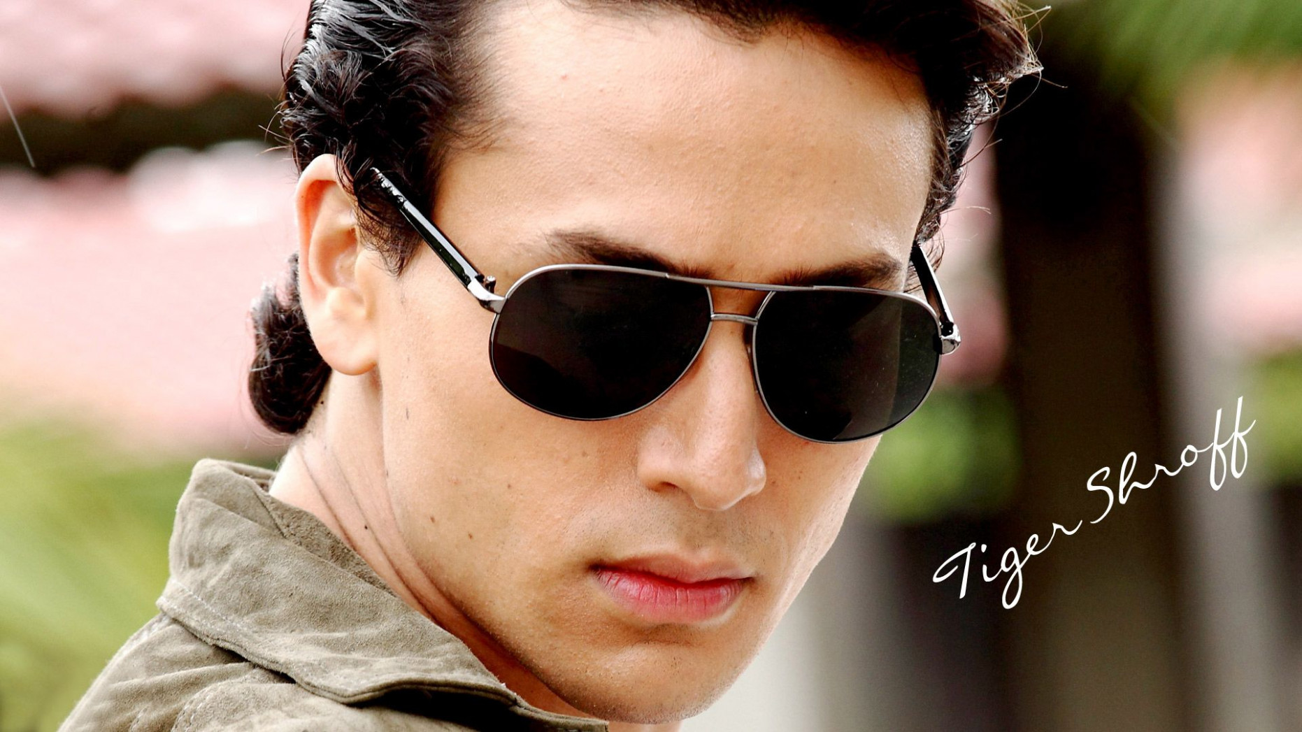 Tiger Shroff Bollywood Actor Hd Wallpaper Bollywood, Actor ...